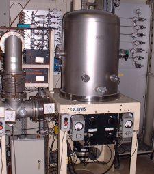 Réacteur PECVD de SOLEMS (vue partielle) pour 4 plaques 30 x 30 cm